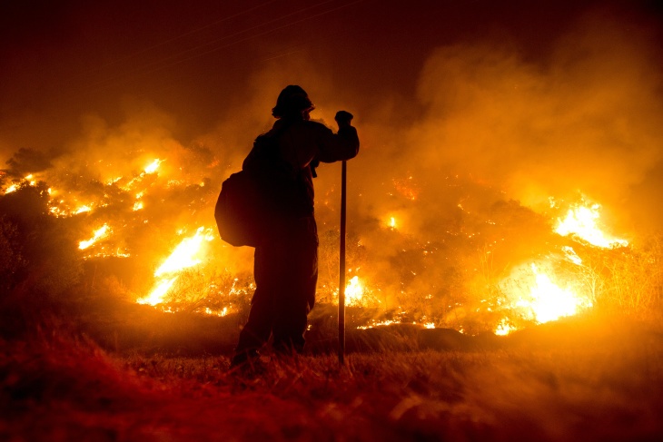 Bobcat Fire More Than 55k Acres Burned Flames Close To Mt Wilson