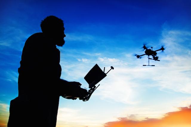 guy_flying_drone.jpg