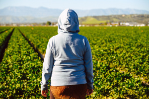 This Undocumented Farmworker Is Worried About How She'll Feed Her Kids If Coronavirus Takes Her Job Away