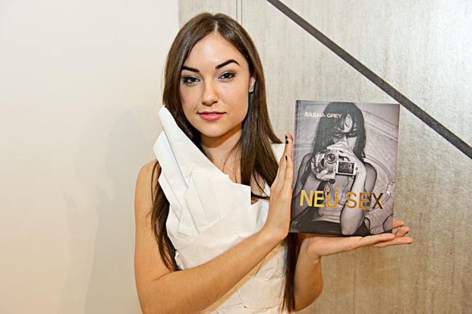 Sasha Greys Neu Sex Book Signing Is Tonight Laist-5398