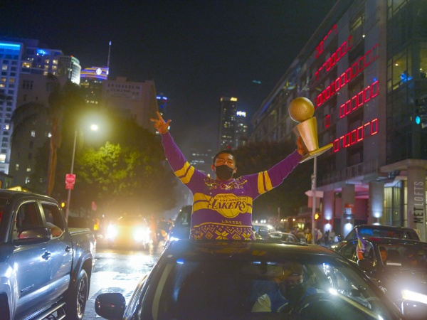 What Happy LA Looks Like: Photos From The Lakers 2020 Championship Win (Before The Tactical Alert)