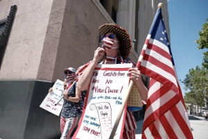 PHOTOS: Anti-Lockdown Protesters (Small In Number) Rally At LA City Hall From The Safety Of Their Cars