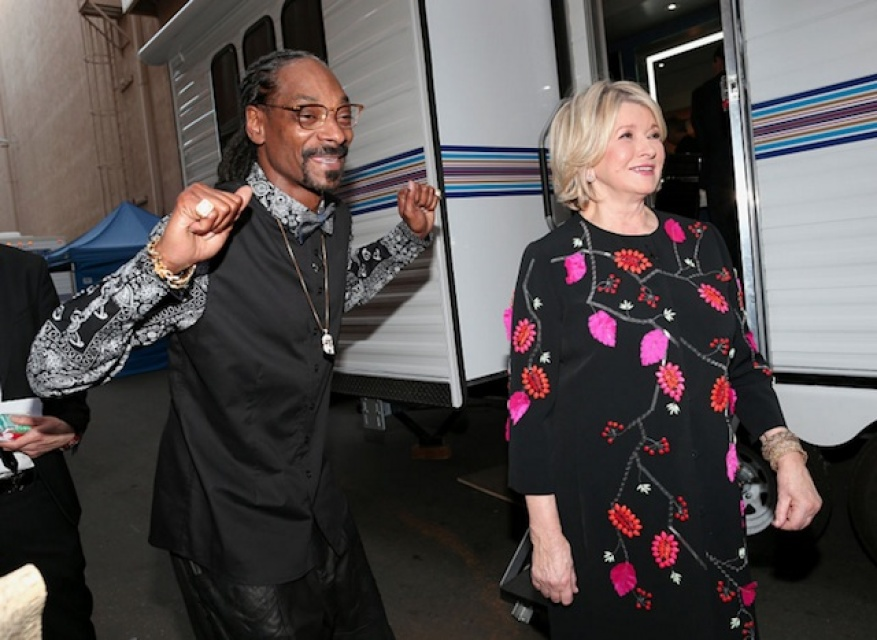 Martha Stewart Says She'll Eat Weed Edibles Made By Snoop Dogg 'For Science'
