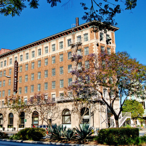 John Wayne, Munchkins, And More Secrets Of The Culver Hotel's 93-Year History