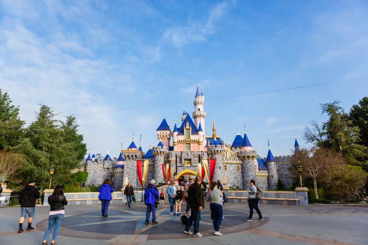 Disneyland Phased Reopening Postponed   HYPEBEAST