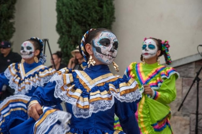 You Can Still Celebrate Día De Los Muertos During The Pandemic