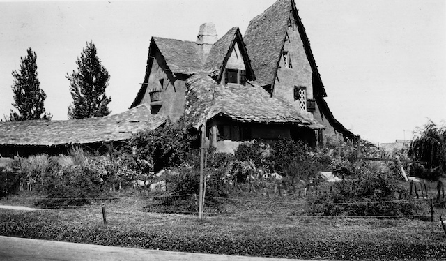 1926-witchs-house.jpg