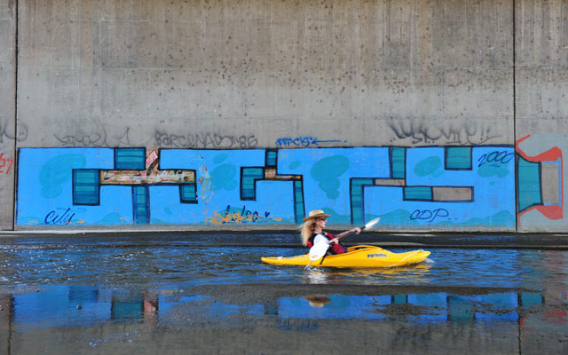 kayaktom.jpg