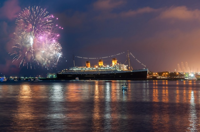 queen-mary-lb-fireworks.jpg