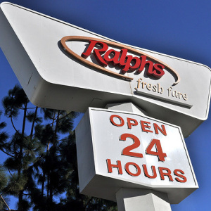 Why There Is No Apostrophe In 'Ralphs'