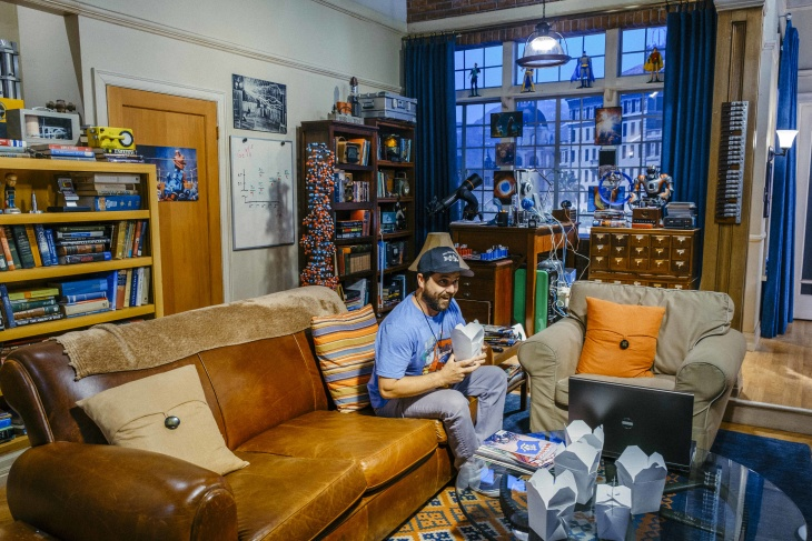 'Big Bang Theory' Sets Are Now Part Of The Warner Bros Studio Tour And You Can Hang Out In The Apartment: LAist