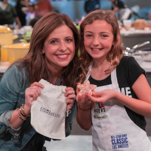 Sarah Michelle Gellar Goes From 'Buffy' To Baking With The Family