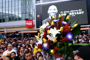 Fans Pay Tribute To Kobe Bryant Across Los Angeles In Wake Of Lakers Legend's Death