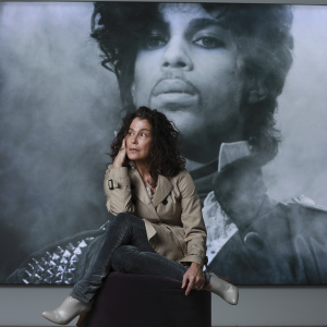 The LA Singer Who Sang Prince's 'Nothing Compares 2 U' First