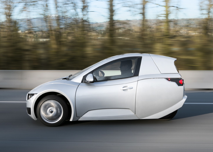 These Tiny Electric 3 Wheelers Seat One Don T Have Airbags And Are Now On La Roads Laist