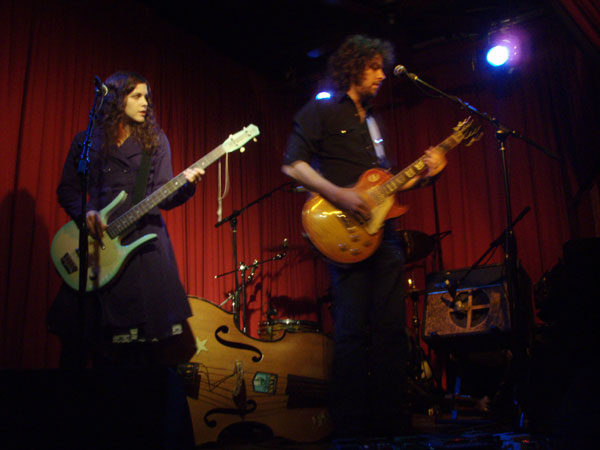 Amy LaVere and Steve Selvidge perform at the Hotel Cafe on 11/8/07