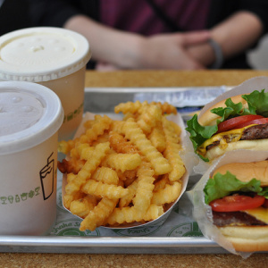 First Shake Shack In L.A. Set To Open March 15 In WeHo