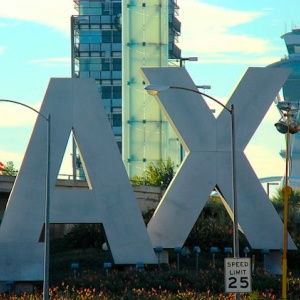 Unattended Bag At LAX Causes Evacuation Of Terminal 2 Departures, LAPD Bomb Squad Called In