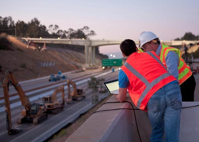 405-freeway-workers-carmageddon.jpg