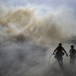 Easy Fire Started Near Utility Line --Some Residents Being Repopulated In Ventura County