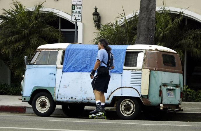 9,000 Angelenos Live In Their Vehicles. This Lawsuit Challenges Cities' Authority To Impound Their Homes