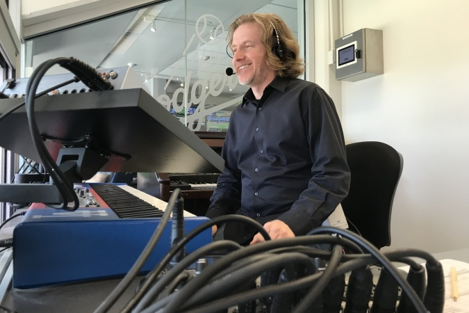 LA Dodgers Organist Dieter Ruehle Plays Like A Jedi And Might Take Your Requests On Twitter