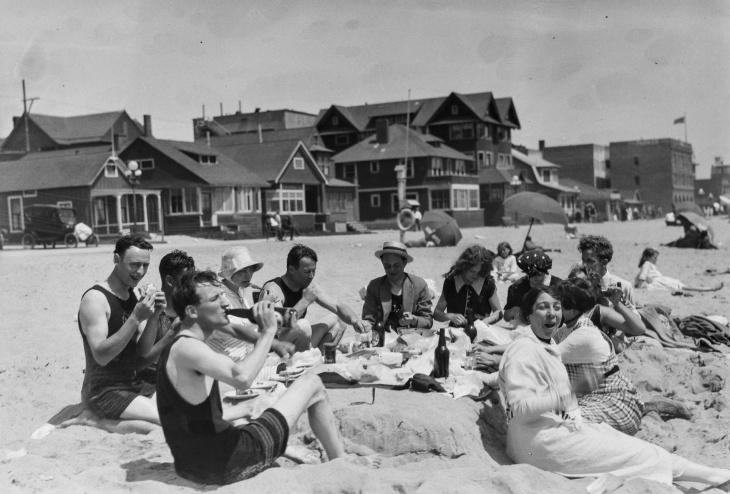 What Did People Eat On LA's Beaches 100 Years Ago?