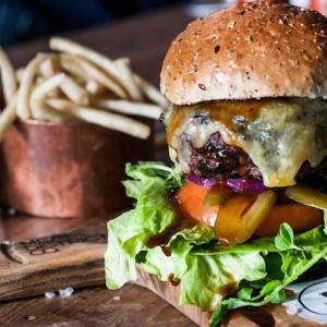 Cheeseburger Week Returns To Pasadena In All Its Meaty Glory