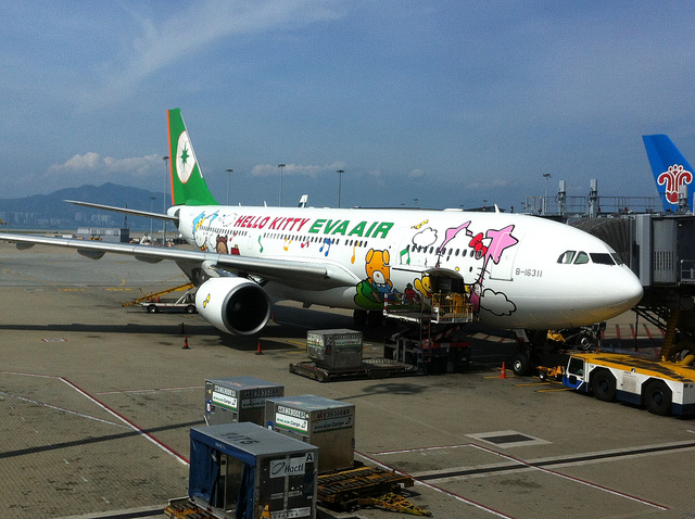 hello-kitty-air-hongkong.jpg