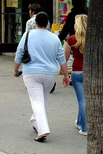 kissing-videos-chubby-white-jeans-tight