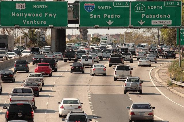 1024px-LA_freeway_2009.jpg