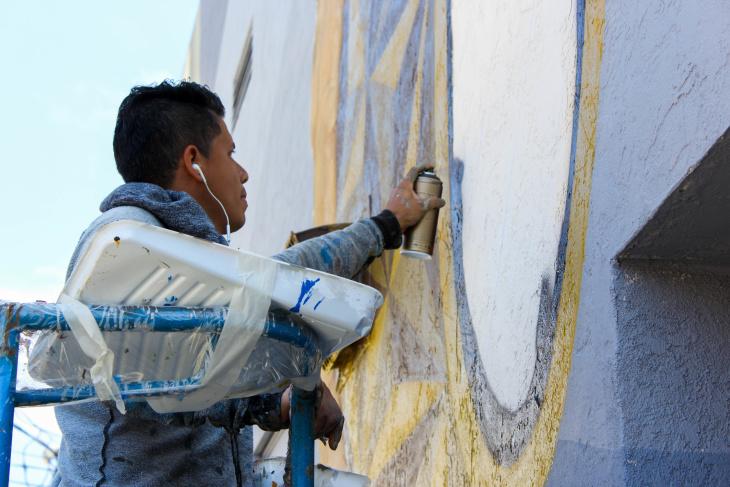 Muralist Koz Dos