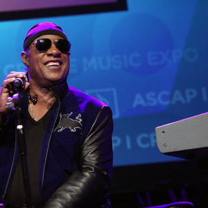 MLB, Please Let Stevie Wonder Perform The National Anthem On Harmonica At World Series