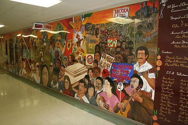 mecha mural1