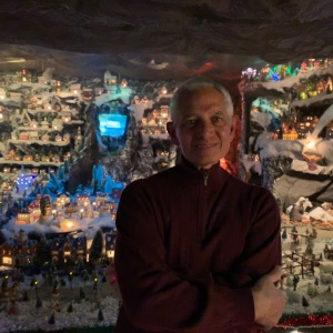 This Man Built A Massive Christmas Village Inside A Regular Sized Garage