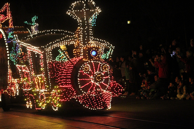 Main Street Electrical Parade Coming Back To Disneyland For