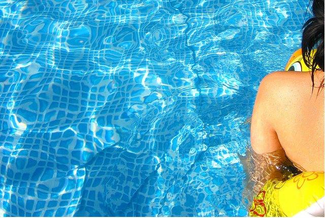 pool-hot-heatwave-weather.jpg