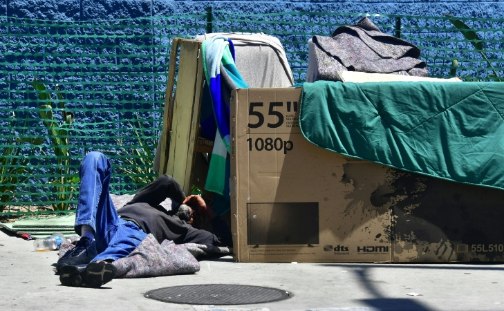 There Are Empty Beds. Here's What's Keeping Homeless People Out Of LA County Shelters