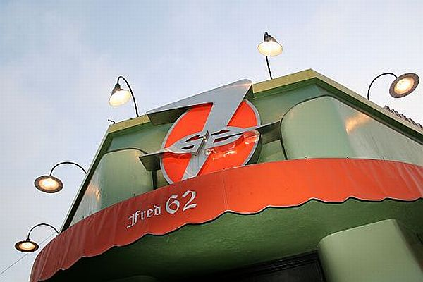 fred 62 Sign
