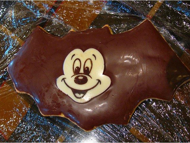 bat-cookie-mickey.jpg