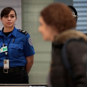 What It's Like For The Unpaid TSA Agents Still Working At LAX