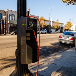 LA Street Lights Might One Day Charge The Electric Car You Don't Yet Have
