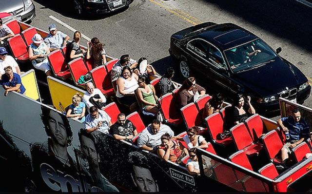 hollywood-tour-bus.jpg