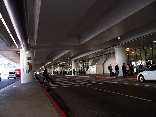 LAX Is Working On Allowing Uber And Lyft To Pick You Up