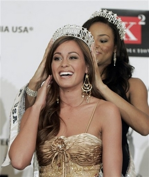 Miss Barstow Raquel Beezley being crowned Miss California in Beverly Hills
