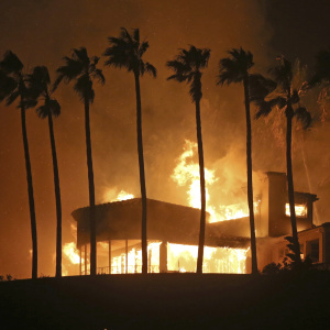 California Stops Insurers From Dropping Some Homeowners Due To Wildfire Risk