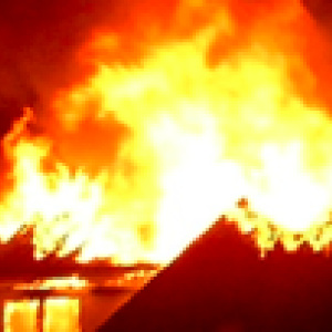 fe5c2d496 Fire Claims One Life in South LA