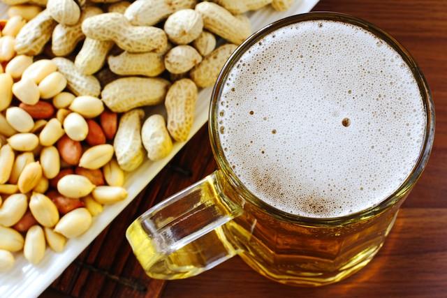 shutterstock_beer_peanuts.jpg
