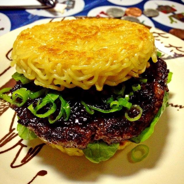 ramen-burger2.jpg