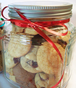 jars_homemade_cookies.jpg
